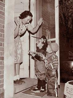 vintage  Vintage Trick Or Treaters